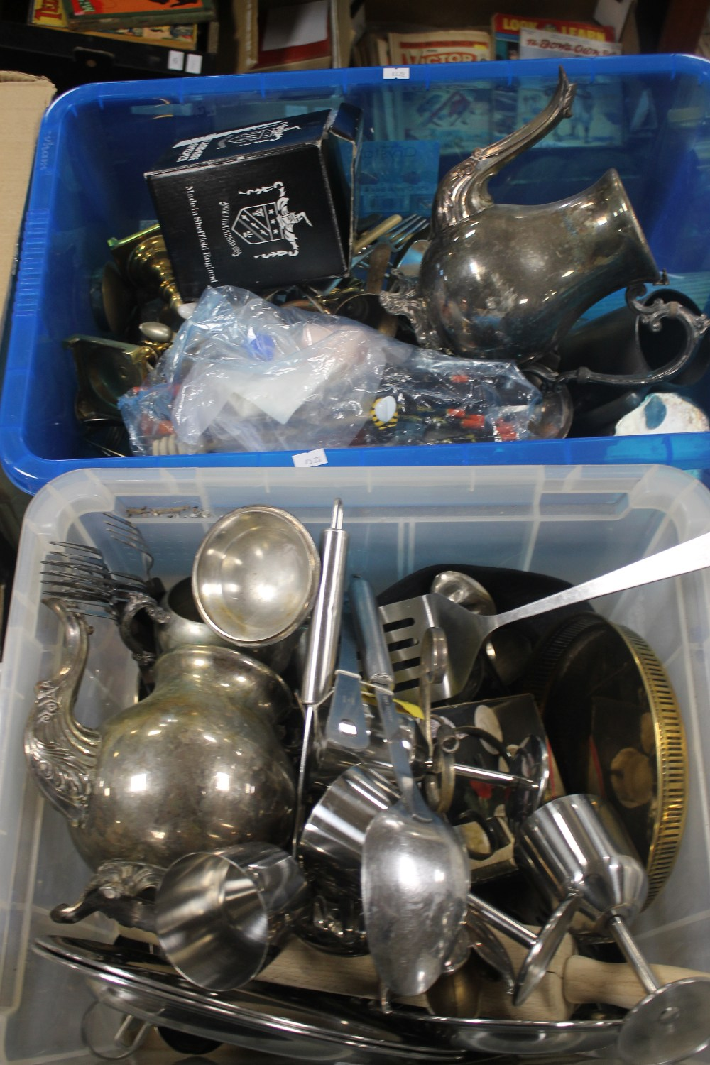 TWO TRAYS OF METALWARE ETC.