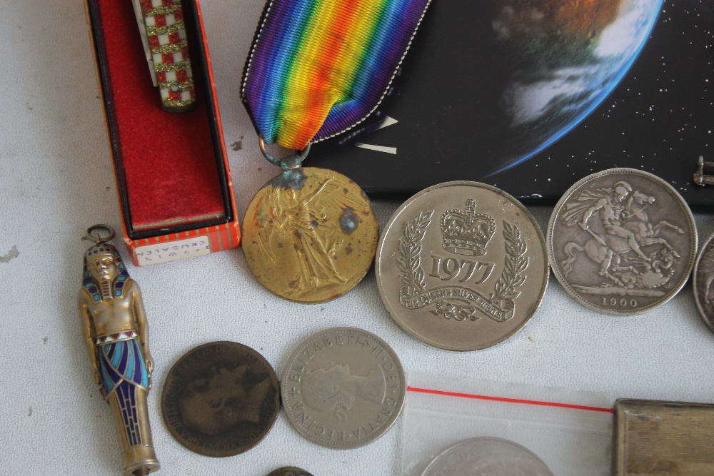 """A PAIR OF WWI MEDALS, NAMED TO """"50365 PTE J.E SMITH LAN FUS"""", along with a Victorian crown 1900, a - Image 2 of 6"""