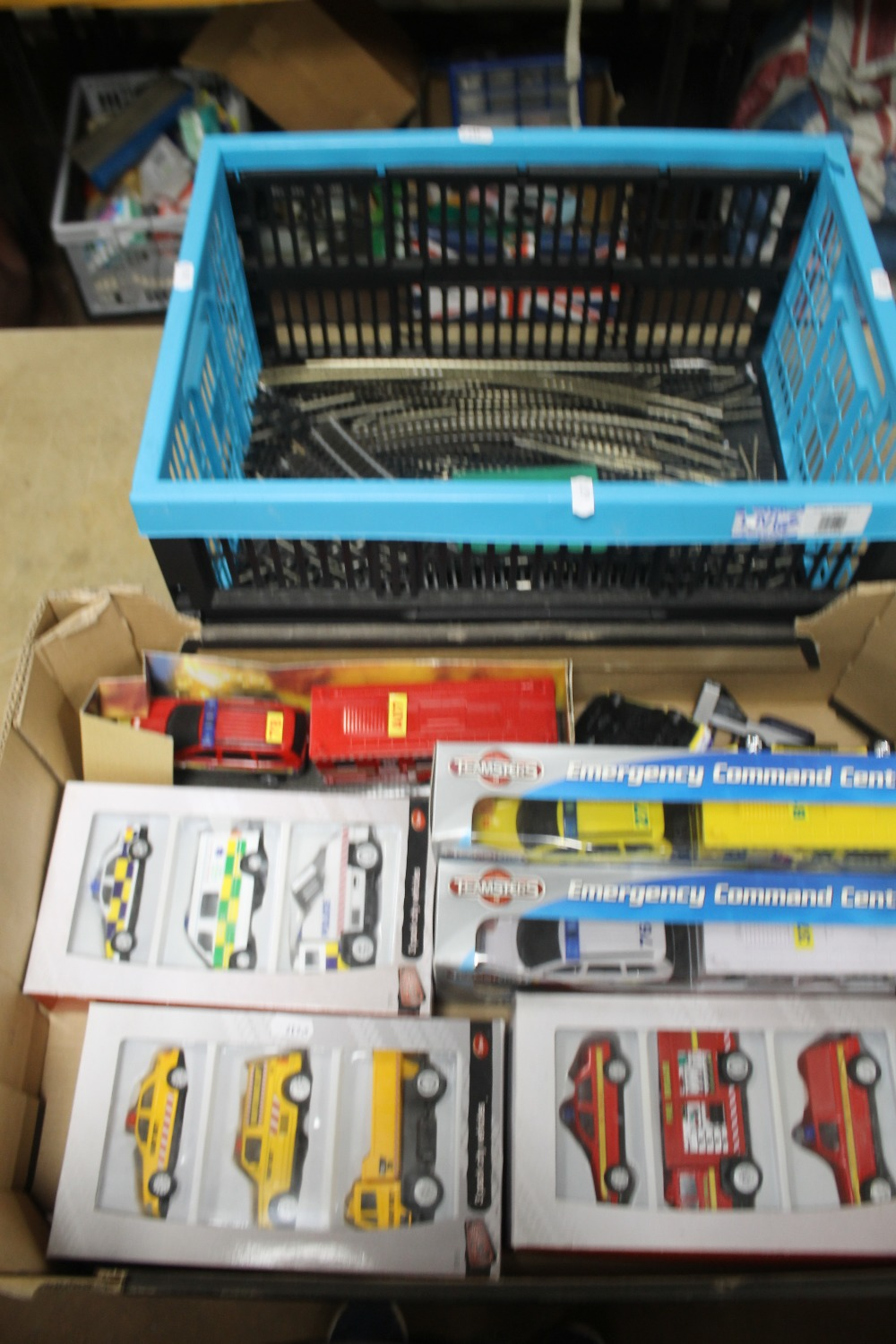 A BOX OF OO GAUGE TRACK BY HORNBY AND MAINLINE to include straights, bends and points together