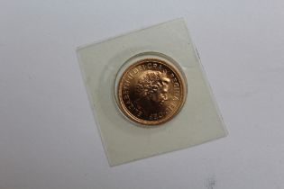 A SEALED UNCIRCULATED ELIZABETH II 2000 GOLD SOVEREIGN