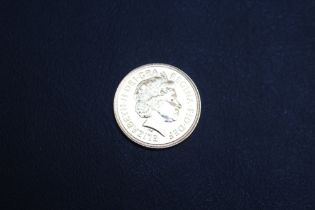 A QUEEN ELIZABETH II 2002 SOVEREIGN WITH SHIELD BACK