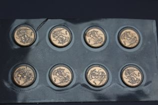 A SEALED SET OF EIGHT UNCIRCULATED ELIZABETH II 2000 GOLD SOVEREIGNS