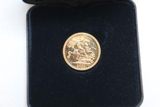 A CASED ELIZABETH II 2001 GOLD SOVEREIGN