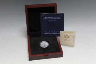 A QUEEN ELIZABETH II JERSEY 2017 LIMITED EDITION PLATINUM PROOF £1 COIN, with box and certificate