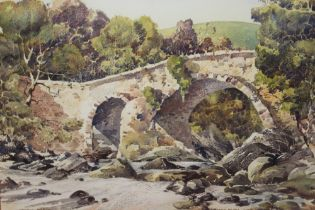 A GILT FRAMED AND GLAZED WATERCOLOUR ENTITLED 'BALGIE BRIDGE GLEN LYON' BY DONALD GREIG W 49 CM BY H
