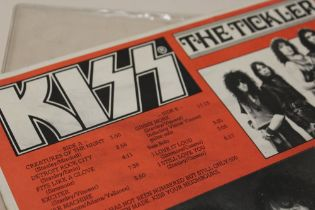KISS - THE TICKLER RED ALBUM, sleeve black, Roxy Records inner label, one of just 500 pressings, fr