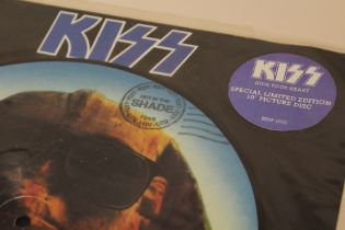 """KISS - HIDE YOUR HEART, special 10"""" picture disc limited edition single"""