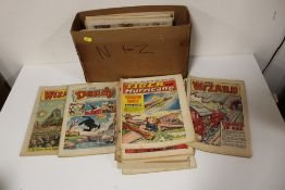 A SMALL QUANTITY OF VINTAGE COMIC BOOKS TO INCLUDE THE WIZARD 1972 ETC.