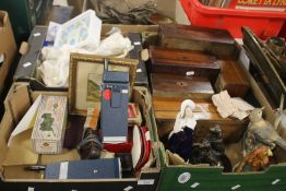 THREE TRAYS OF COLLECTABLES TO INCLUDE A PAIR OF WALKIE-TALKIES, A QUANTITY OF WOODEN BOXES ETC.