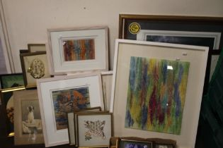 A QUANTITY OF ASSORTED PICTURES AND PRINTS TO INCLUDE MODERN ART