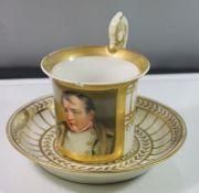 """Tasse mit Untertasse """"Napoleon"""" Frankreich um 1810, sign. Brelte, H-10 cm, U.T. D-8 cm, Goldstaffage"""