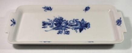 längl. Platte, Meissen, Schwertermarke, Kobaltblumen, 2 Schleifstriche, 29 x 50cm