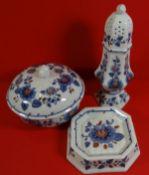 3x Estee Lauder Porzellan, 1979, Gartenblumen, Streuer H-19 cm, Deckeldose H-9 cm, Schaler 9x9 cm