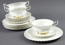 "15 Serviceteile, Royal Albert ""Val D´or"", d. Teller: 20,5 cm"