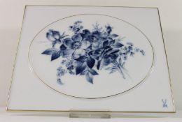 Meissen-Blidplatte, Aquatinta Blumen, Schwertermarke mit 4 Schleifstrichen, 21 x 25,5cm.