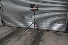 Defender 110v Work LED work lights on tripod (1 of)