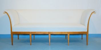 Große Sitzbank des Klassizismus, norddeutsch, um 1800,Kirsche dunkel massiv, holzverdübelt,