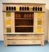 Indischer Vorratsschrank,Tropenholz geweisselt und farbig lackiert, offenes Fach und kleine
