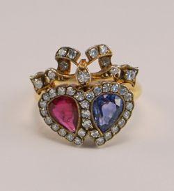Antiker viktorianischer Doppelherzring mit Saphir, Rubin und Diamanten