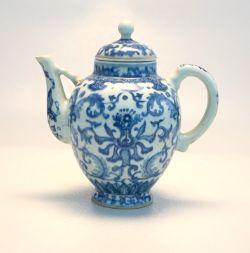 Kangxi Stegkanne Seladon Unterglasurblau ca. um 1700