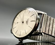 A gentleman's Longines wristwatch in stainless steel case with 30L cal. movement no.12228125, dia