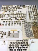 British Military, etc Buttons. A box containing in excess of 350 brass, plated, horn and anodised