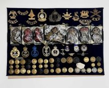 Royal Navy - 2 and Royal Navy Division. A display card containing cap badges, collar dogs, buttons