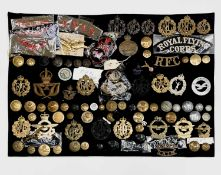 Royal Air Force / Royal Observer Corps / Royal Flying Corps. A display card containing cap badges,