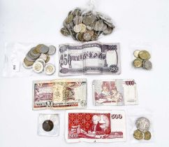 World Coinage A bag containing redeemable coinage: Canadian $27.25, Euros 5.50, New Zealand $4