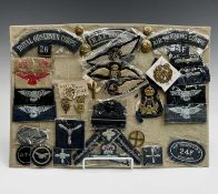 Royal Air Force / Royal Observer Corps / A.T.C etc - 1. A display card containing various cloth