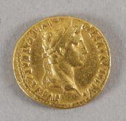 Antike römische Goldmünze (Aureus), Augustus, 2 n. Chr.