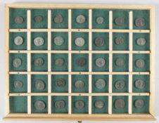 Konvolut 34 antiker römischer Münzen (Kaiserzeit)