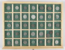 Konvolut 36 antiker römischer Münzen (Kaiserzeit)