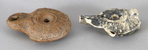 Hellenistisches Öllämpchen mit Volutenschnauze