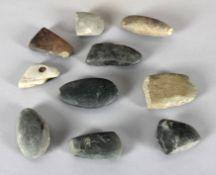 Konvolut von 10 neolithischen Flachbeilen (6x) und Dechseln (4x)