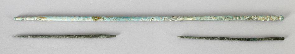 Konvolut 3 Bronzenadeln, Mitteleuropa, mittlere bis späte Bronzezeit (15. - 12. Jh. v. Chr.)