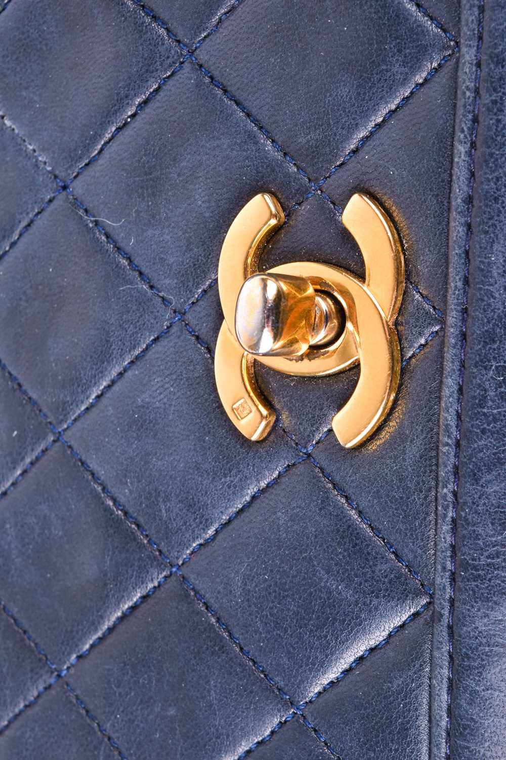 Chanel. A classic quilted leather handbag, of tapered square design, with gold tone CC logo clasp, - Image 3 of 26