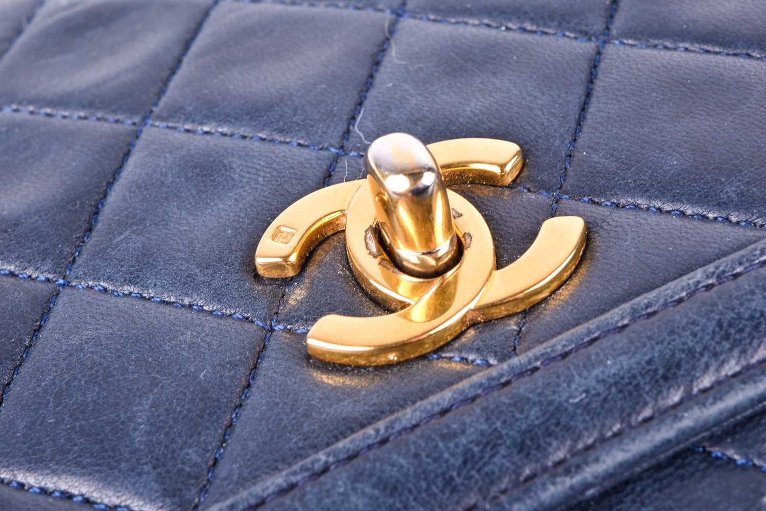 Chanel. A classic quilted leather handbag, of tapered square design, with gold tone CC logo clasp, - Image 9 of 26