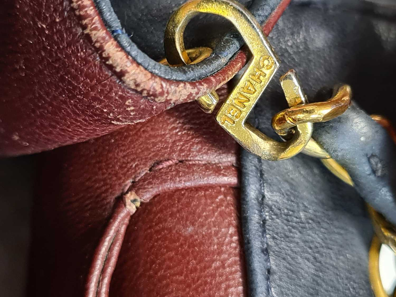 Chanel. A classic quilted leather handbag, of tapered square design, with gold tone CC logo clasp, - Image 24 of 26