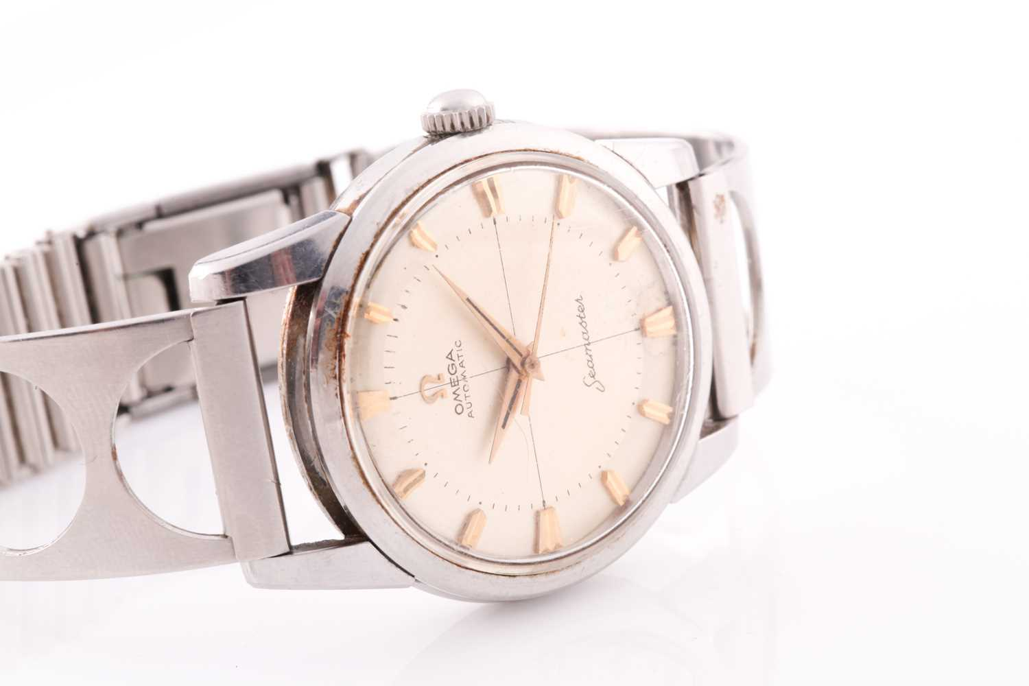 An Omega Seamaster automatic stainless steel wristwatch, the silvered dial with gilt baton - Image 6 of 7