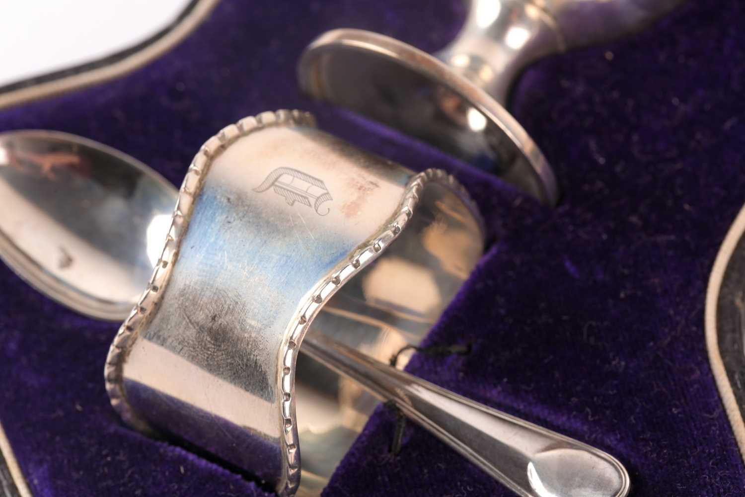 A cased silver Christening set. Birmingham 1915 and later spoon and pusher. The set comprising an - Image 5 of 5