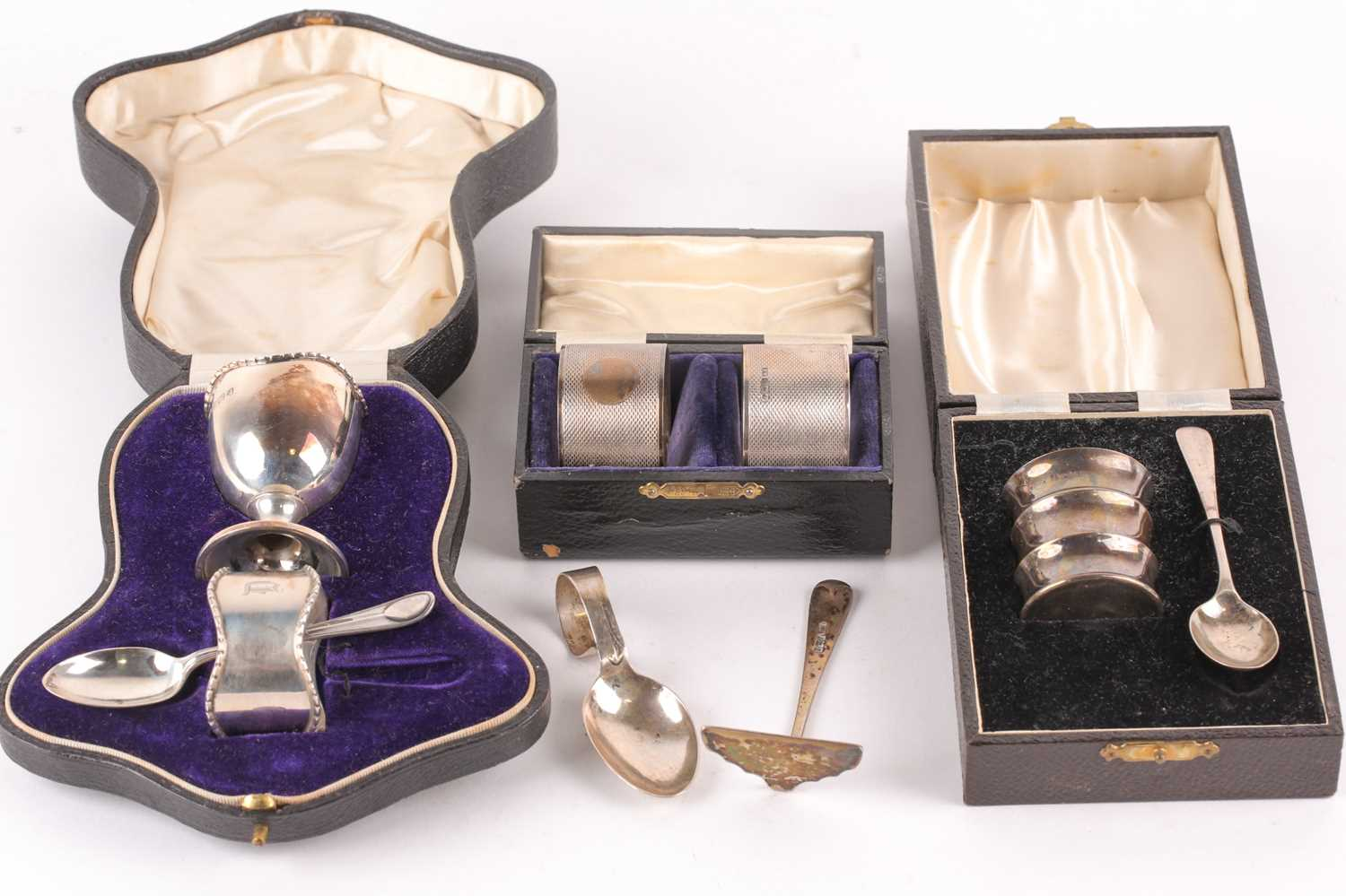 A cased silver Christening set. Birmingham 1915 and later spoon and pusher. The set comprising an