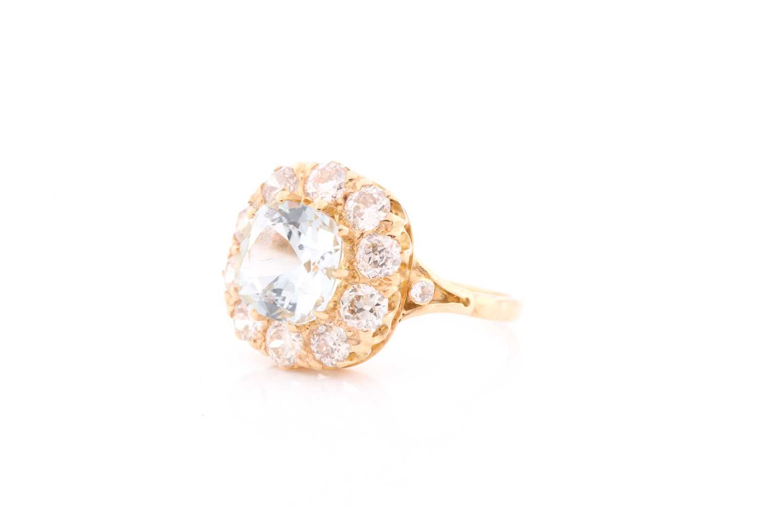 An 18ct yellow gold, diamond, and aquamarine cluster ring, set with a cushion-cut aquamarine of - Image 4 of 4