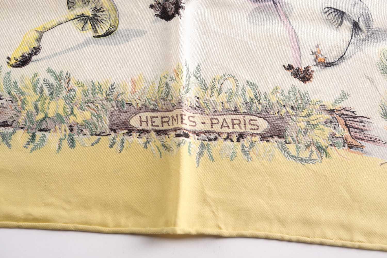 """A Hermes silk square scarf, """"Champignons"""", original design by Francois De la Pierre, the mushrooms - Image 3 of 3"""