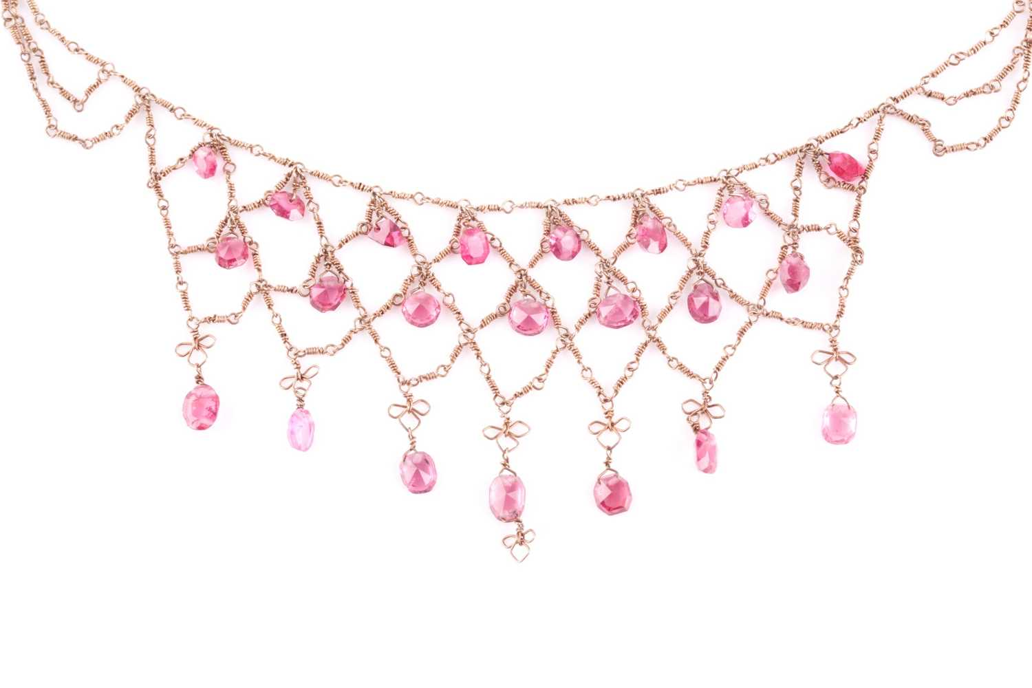 A yellow metal and pink spinel fringe necklace, suspended with faceted pink spinels, on twist-link - Image 2 of 2