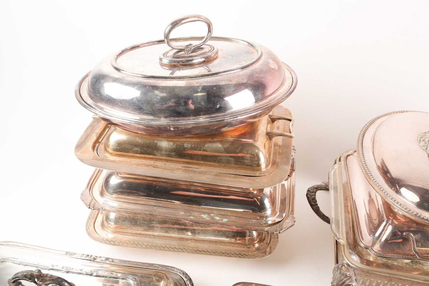 A pair of 19th century silver plated tureens and covers, the covers with shield shape cartouch - Image 4 of 5