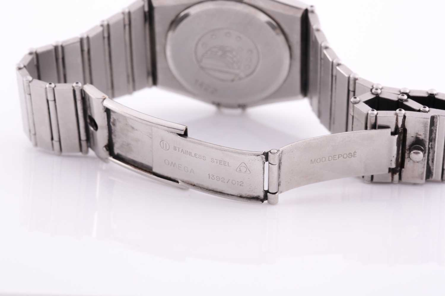 An Omega Constellation chronometer quartz wristwatch, with date aperture and Roman numeral dial, - Image 3 of 5