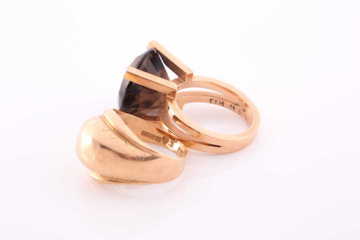 A 14ct yellow gold and smoky quartz ring, the stylised seventies-style mount set with a mixed - Image 3 of 3