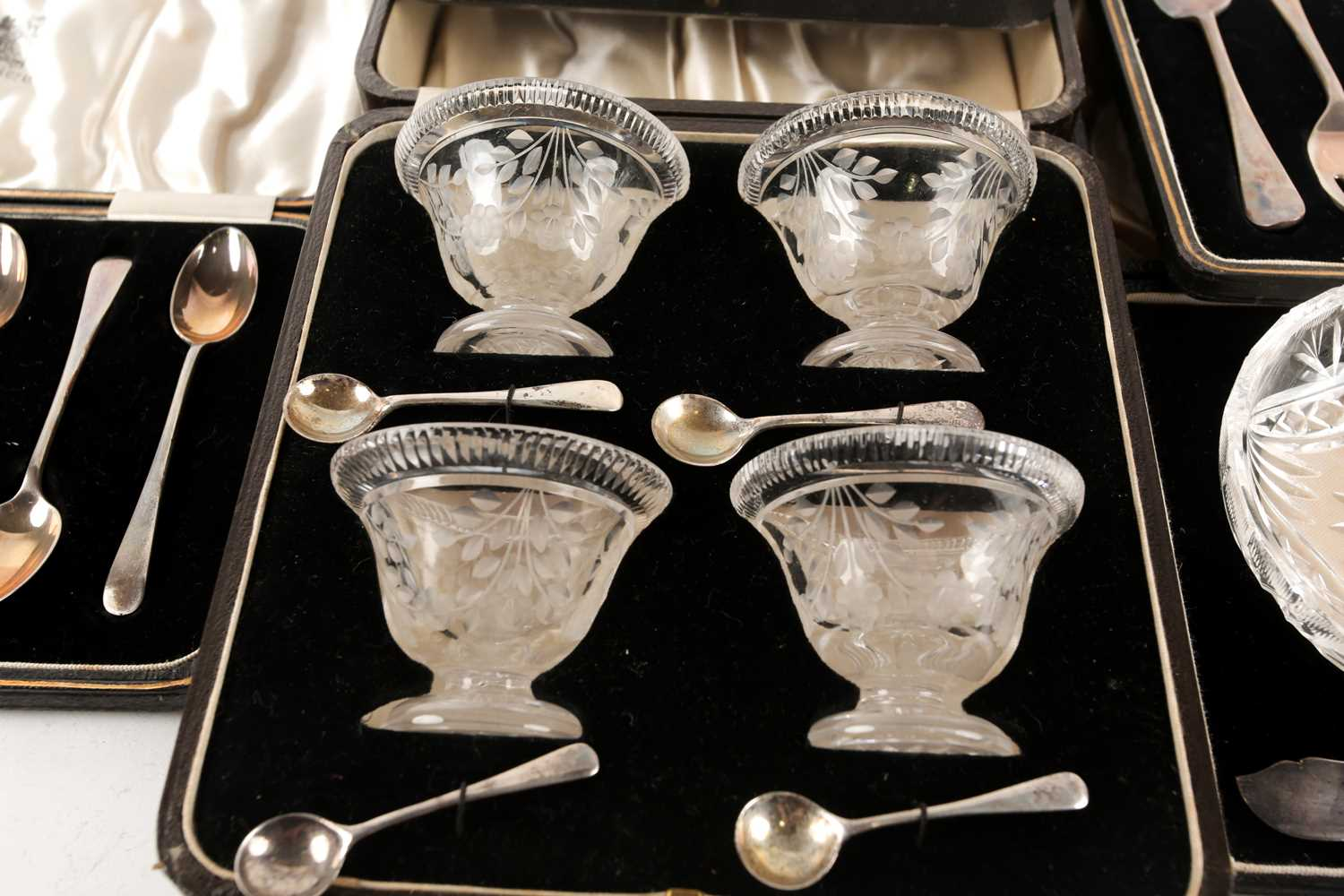 A cased set of four Victorian cut glass salts, the funnel bowls with etched decoration on a circular - Image 7 of 7