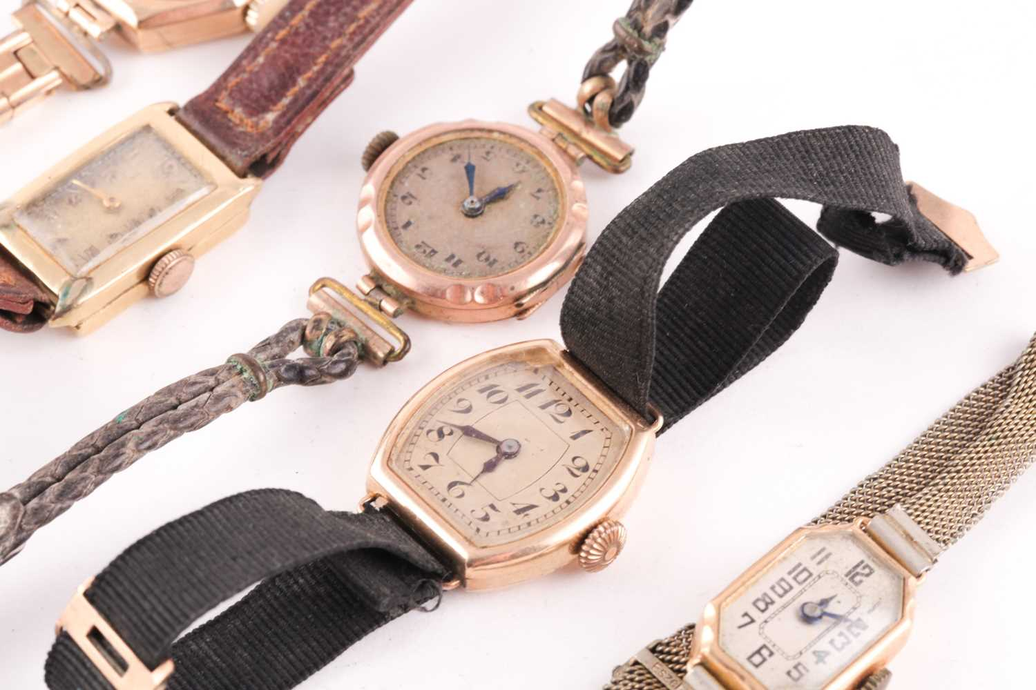 Tudor. A lady's 9 carat gold watch. the silvered dial with Arabic indices and subsidiary seconds - Image 2 of 3